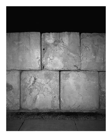 White Wall - by Tereza Zelenkova